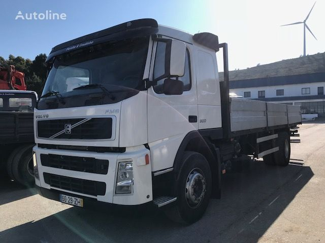 camion plateau VOLVO FM9 300
